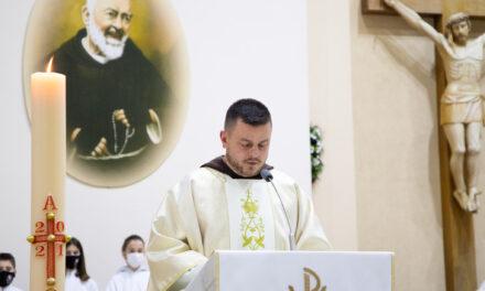 Oproštajna Sv. Misa dosadašnjeg upravitelja župe, fra Miljenka Vrabeca
